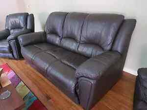 Italian leather lounge suite South Morang Whittlesea Area Preview
