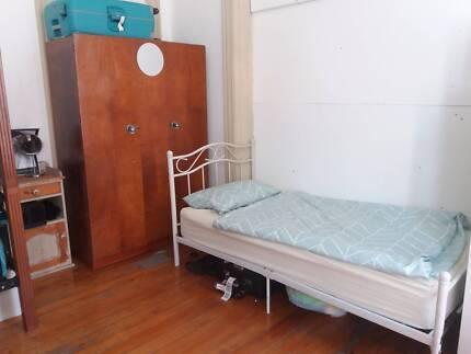 NOW BED AVAILABLE 2female Studio RoomFlatshare INNER SYDNEY/GLEBE