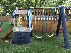 Kids swing and outdoor play set