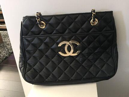 Chanel Vintage hand bag
