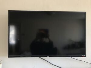 RCA TV with roku, 32""