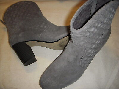 Isaac Mizrahi Live Kelly Suede Stacked Heel Ankle Boots Womens 8 5 M Grey
