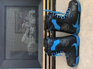 Great condition size 9.5 k2snowboarding boots