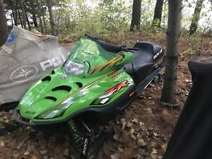 2001 Arctic Cat ZR 800 (Make any Offer)