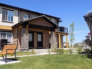 Airdrie – Bright 2 Bedroom 1 Bath Condo for Rent