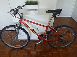 Trusty and just a bit rusty woman's mountain BIKE Edgecliff Eastern Suburbs Preview