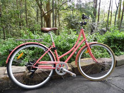 WOMANS/LADIES RETROSPEC BICYCLE