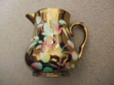 Lovely WADE gold coloured small cream milk jug