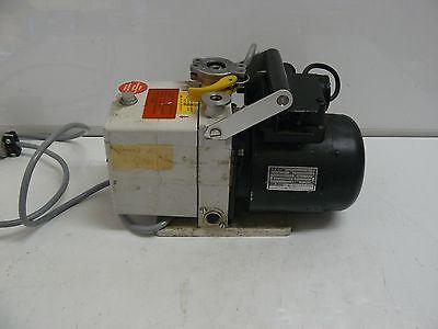 Pfeiffer Balzers Du0 1.5a Dual Stage Rotary Vane Vacuum Pump