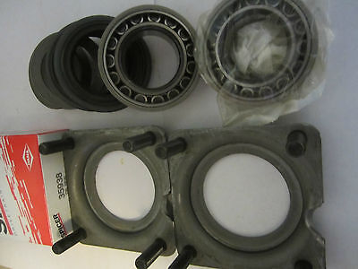 2 Dana Spicer All 1999   2004 Grand Cherokee Rear Axle Bearing  Seal Kits