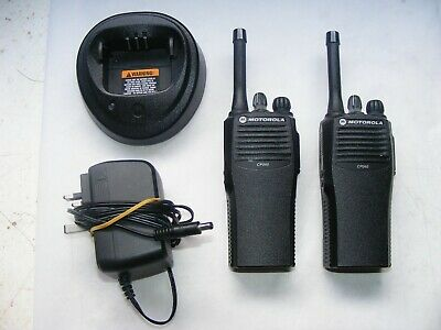 Motorola CP040 Two-Way Portable Radios & Charger Used & Working 4 Channel Model