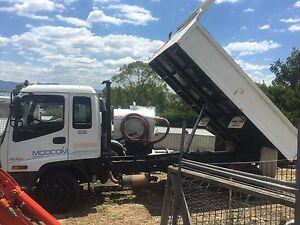 Isuzu tipper truck 5 tonne pay load Blackbutt Shellharbour Area Preview