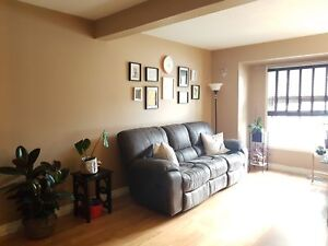 3 BEDROOM TOWNHOUSE IN VERY DESIRABLE AREA