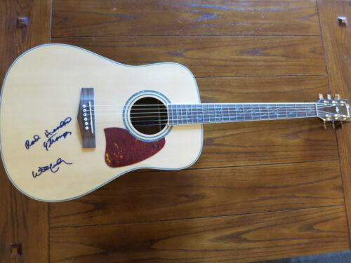 Willie Nelson signed guitar added lyrics ACOA + Proof! Highwaymen autographed