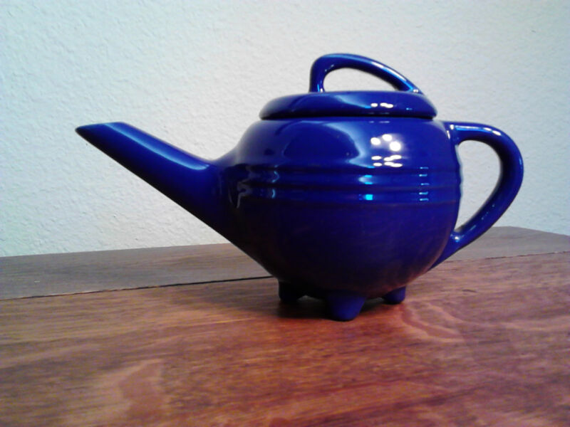 Rare Pacific Pottery Syrup in beautiful Cobalt Blue