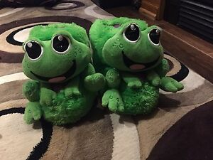 Justice Frog Slippers size 6-7