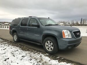2010 Yukon XL 4x4 SLT. Loaded w/extra set of winter tires!