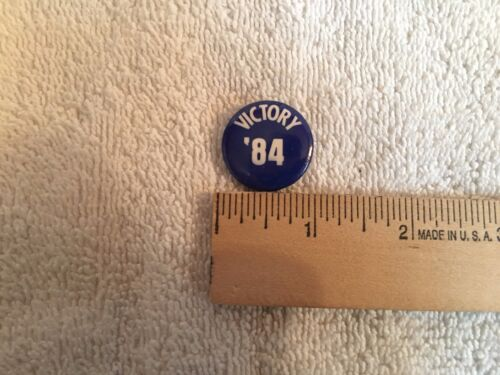 Reagan Bush Victory 84 Blue Button Pin Republican GOP 1984 Campaign Political