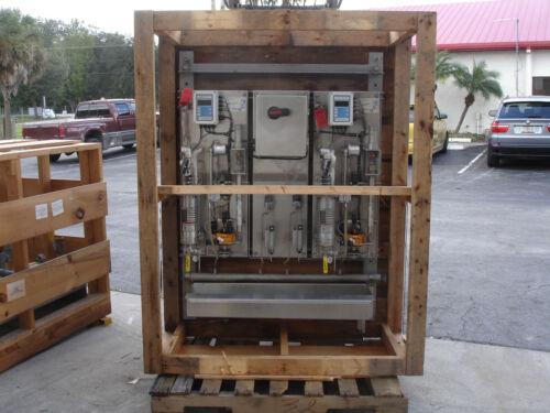 <2> Sentry Equipment Single Line Sample Panel W/ <2> CONTROL Analyzers SL-200H