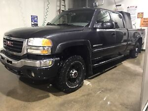2003 GMC 2500HD with Manual Transmission