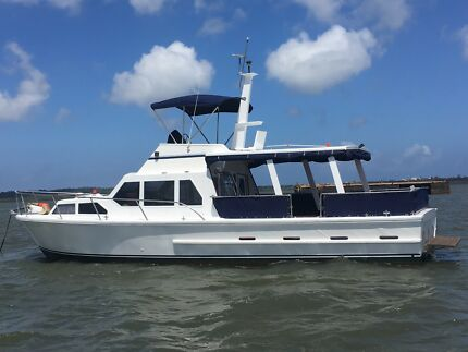 38ft Flybridge Cruiser