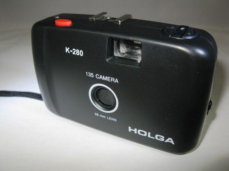 Holga 135 35mm Model K-280 Point and Shoot Film Camera Brand New