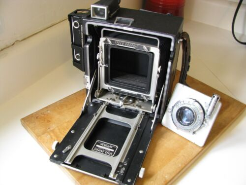 Graflex Pacemaker Speed Graphic 4x5 w. Kodak 127mm Ektar f/4.7 Lens