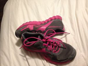 Grey and pink reebok running shoes  Kingston Kingston Area image 2