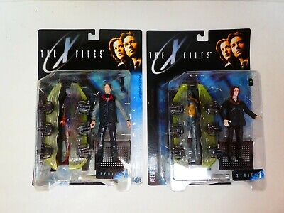 The X-Files - Agent Scully & Agent Mulder Action Figures Lot of 2