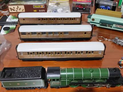 Flying Scotsman, 3 Teak Carrages and much more