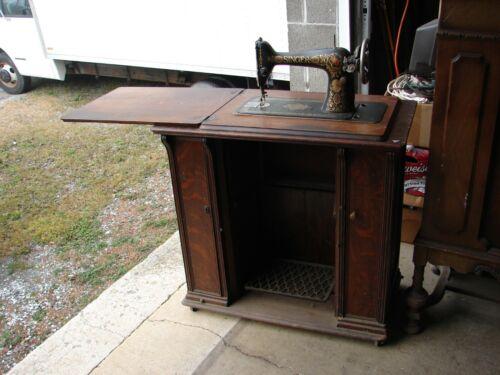 Antique Singer Treadle Sewing Machine In Oak Cabinet Red Eye S # G2988055