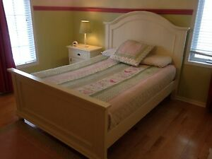 Offwhite dresser and queen bed
