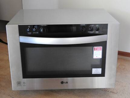 LG Lightwave Oven in great condition