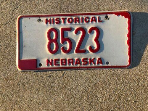 VINTAGE HISTORICAL LICENSE PLATE NEBRASKA - WHITE WITH RED NUMBERS