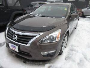 2013 Nissan Altima 2.5 S - ONLY 35K! BLUETOOTH! ALLOYS!