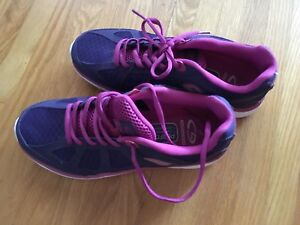 New size 9 Ladies running shoes