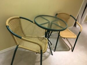 Garden table/chairs set
