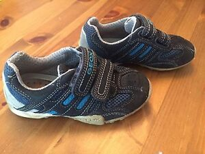 GEOX chaussures pointure 27 - 10 US