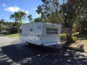 1980 Franklin Caravan with double bunks Tanawha Maroochydore Area Preview