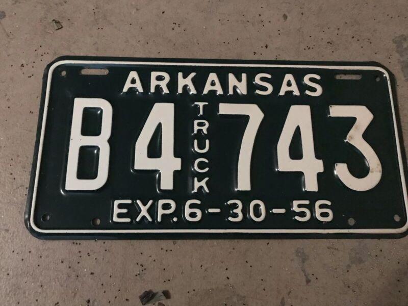 1956 ARKANSAS TRUCK LICENSE PLATE B 743