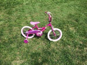 Bicyclette Disney Princesse pour fille d'environ 3 ans