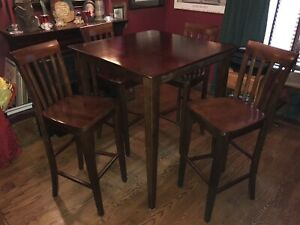 """5 pc 42"""" tall pub set. All wood great condition"""