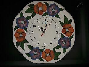 Piatto-ceramica-con-Orologio-dipinto-a-mano-fiori