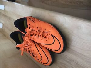 Indoor soccer cleats  size 4