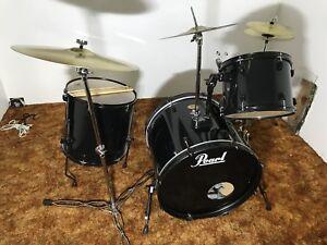 Pearl Target drum set in black