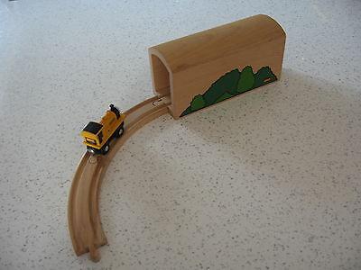 TUNNEL LARGE FOR WOODEN TRAIN TRACK  ( Foliage Thomas ) ~ GENUINE BRIO b