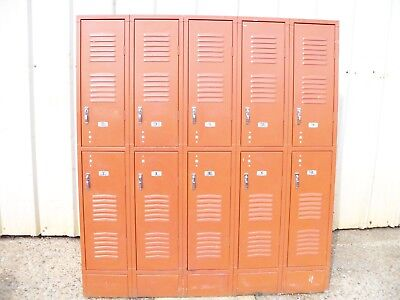 Vintage Astro Orange Metal Republic Steel Gym Employee Man Cave 5 Bay 10 Lockers