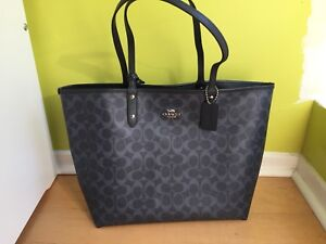 BRAND new COACH bag with wristlet