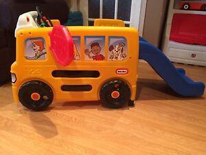 Autobus d'activités Little Tikes