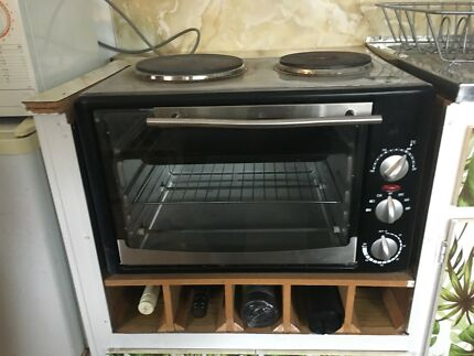 Portable Electric Oven/Grill with two hotplates